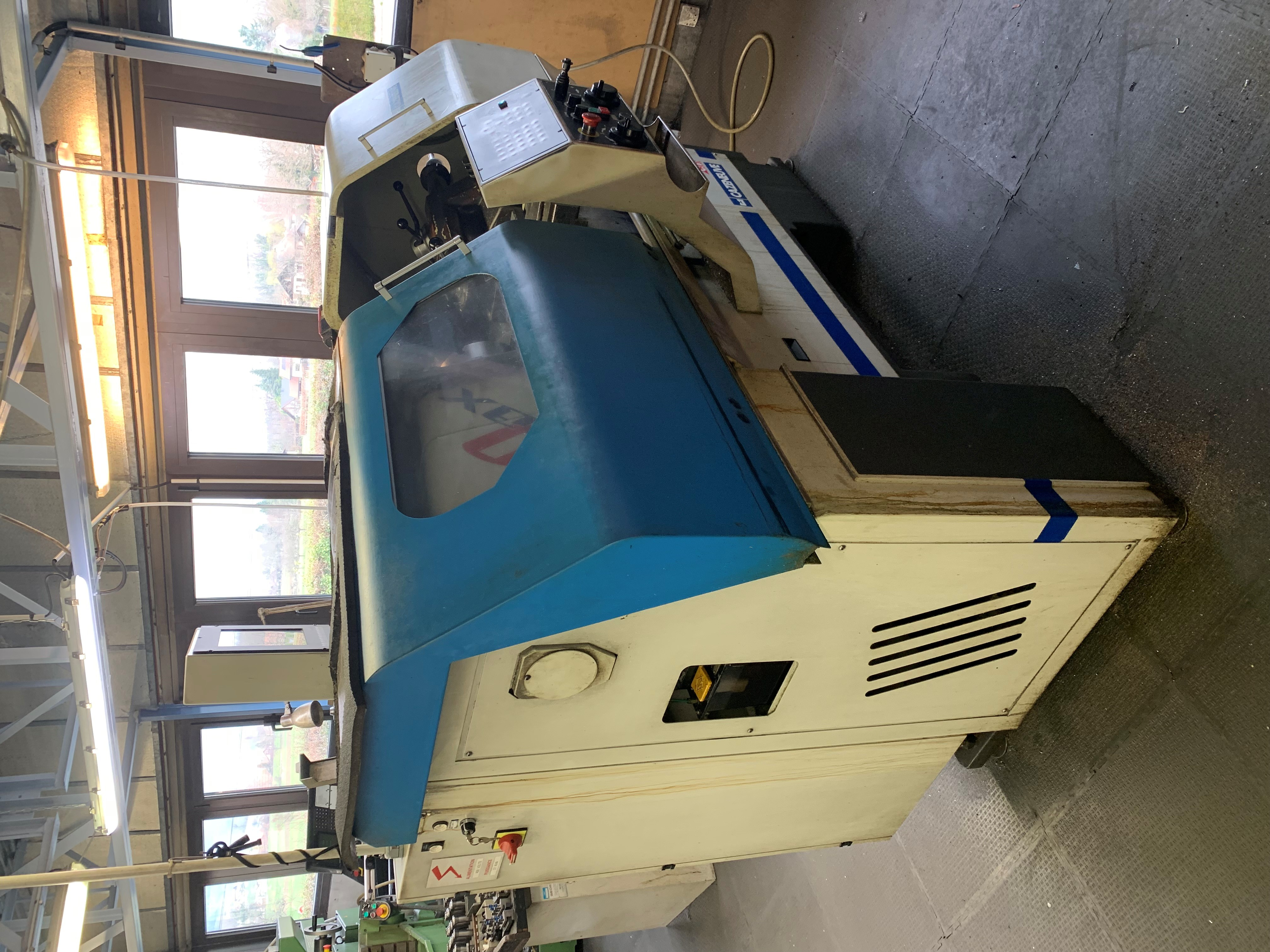 CENTRE D'USINAGE VERTICAL CNC HARTFORD  VMC 1600A