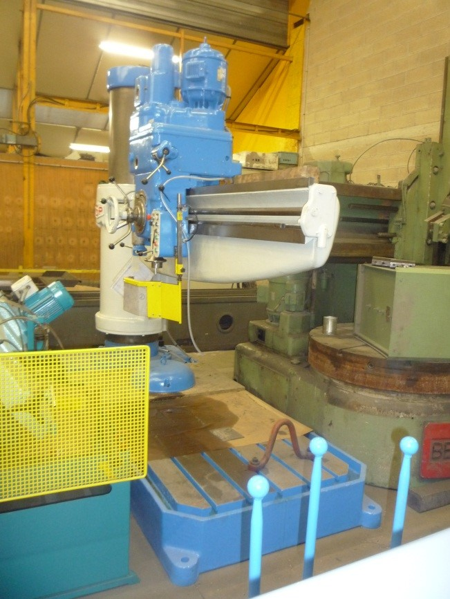 PERCEUSE RADIALE A BLOCAGE HYDRAULIQUE